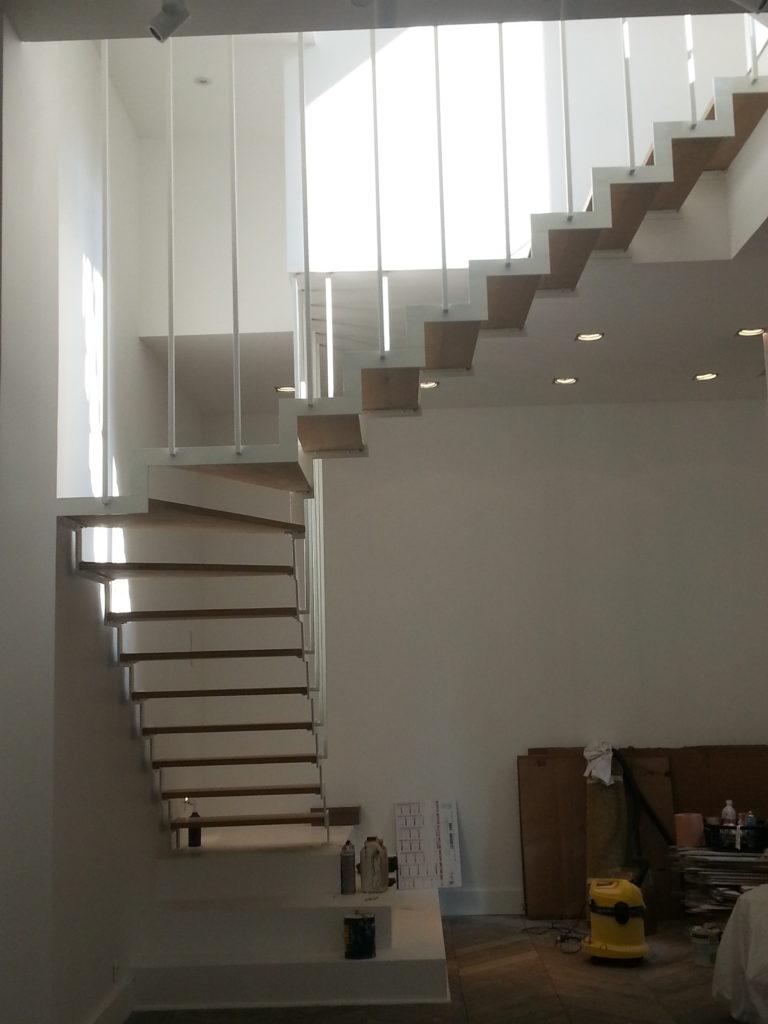 PHIMETAL-Metallerie-Varreddes-Meaux-77-escalier-a-cremaillere-acier-bois